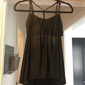Black flowy lululemon power y tank! Size 4!